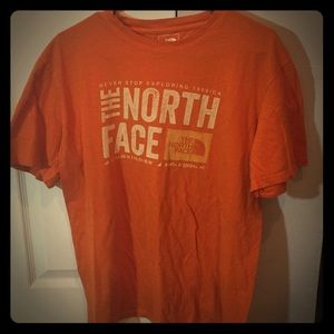 BRAND NEW NORTH FACE T SHIRT